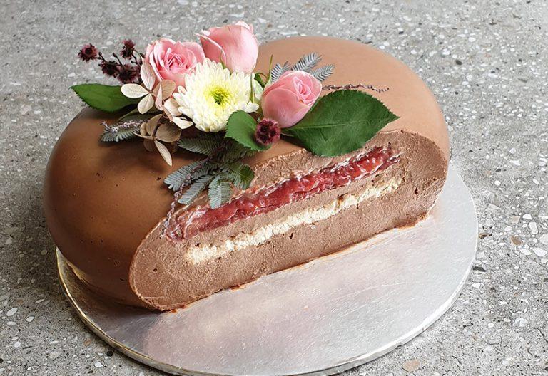 chocolate hazelnut mousse love heart cake