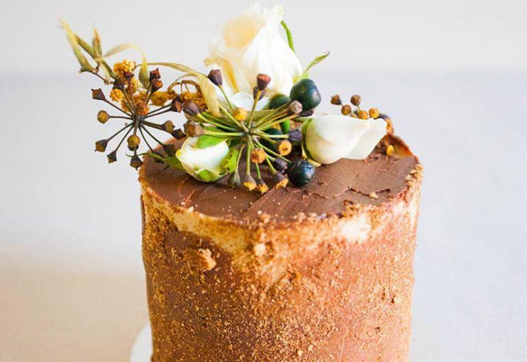 Tall Mini Choc Caramel Cake W Roses