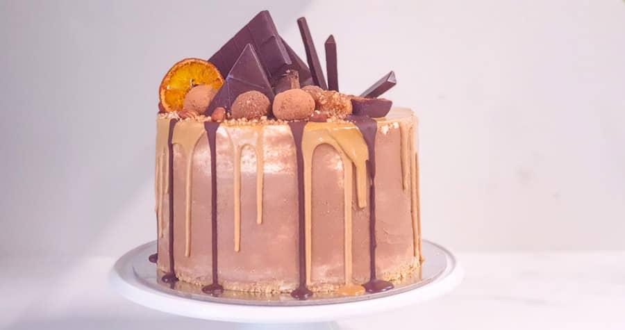 Layered Oreo Nutella Raw Cake